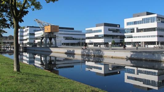 Hightech-Forschung und internationale Lehre am Niederrhein